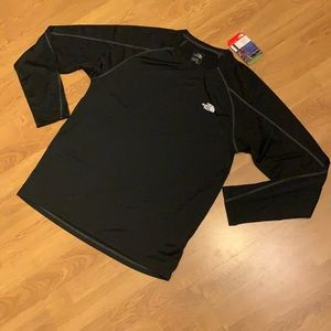 NWT The North Face Voltage Long Sleeve Crew Tee, M